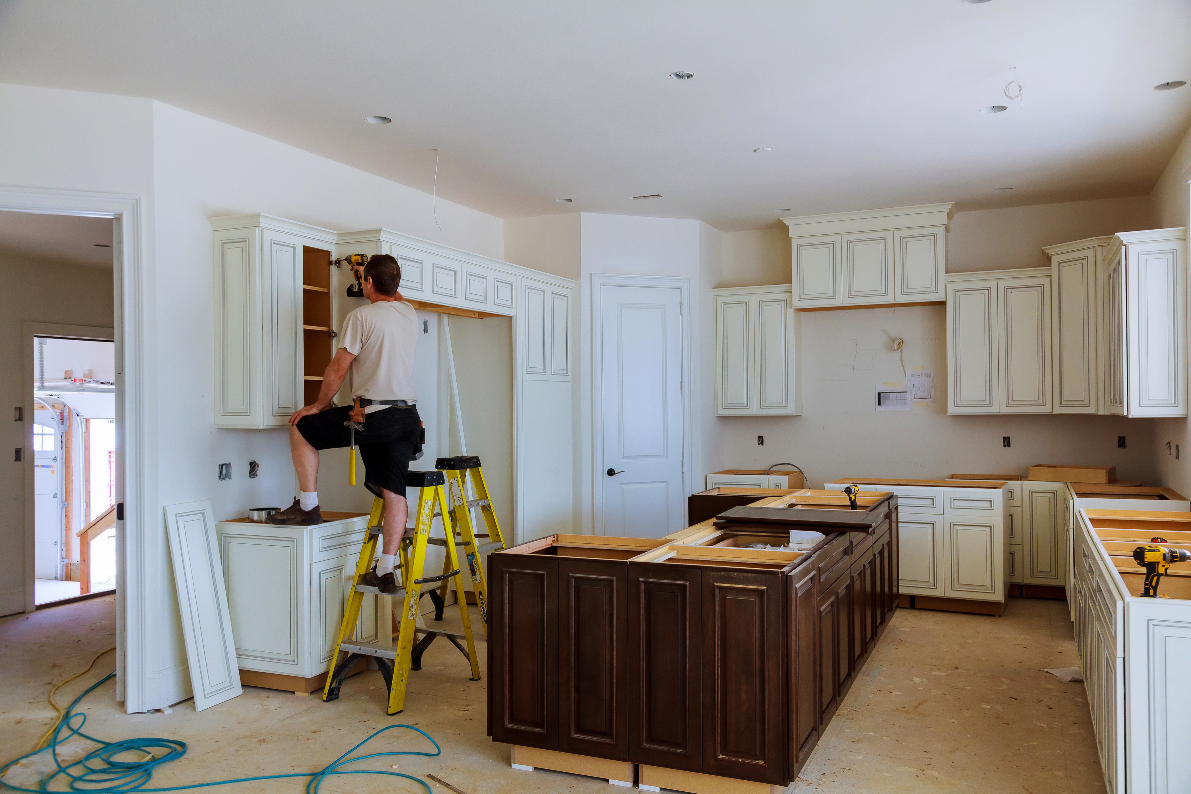Kitchen Renovations, Remodeling and Design with Custom Cabinetry