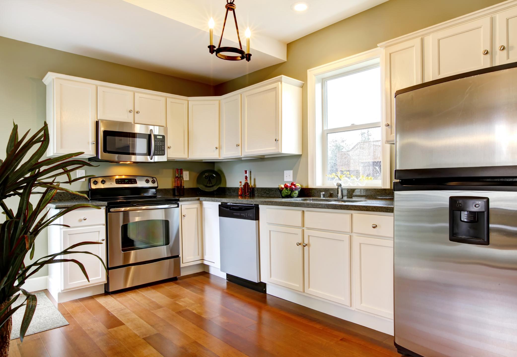 Barrie Kitchen Renovations - Custom Cabinets 1